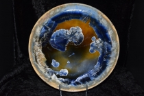 assiettes-artisanales-en-porcelaine-email-cristallins-1