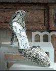 Escarpin-sculpté-en-cellulose-et-encre-de-Chine