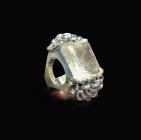 Aurore-Klein-Bague-Camélia-double-à-quartz-rutilé-collection-privée-c-Dawn-Joaillerie